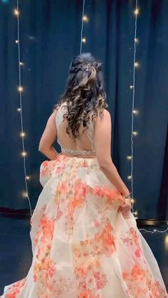 Best Wedding Dance, Wedding Dance Video, Indian Wedding Video, Ballet Dance Videos, Dance Choreography Videos, Indian Bridal Outfits, Indian Fashion Dresses, Fashion Outfits, Simple Dance