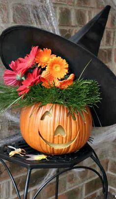 Hair-Raising Halloween Arrangement How-To