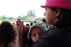 Wrigley Field with Toddler and Baby #MurphysDoChicago - #chicago #ballpark