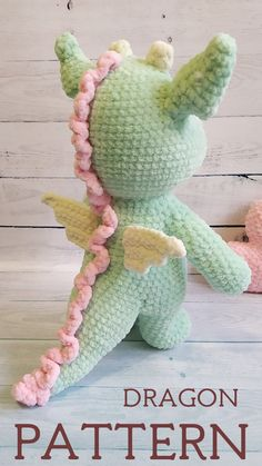 The full crochet pattern consists of 16 pages of the detailed, step-by-step description in the pdf format. It contains more than 40 high-quality photos. The size of finished toy is – 32 cm ( inc) Crochet Dragon Pattern, Crochet Animal Patterns, Crochet Patterns Amigurumi, Crochet Dolls, Bear Patterns, Doll Patterns, Knitted Hats Kids, Crochet For Beginners Blanket, Crochet Mouse