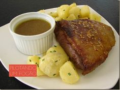 Picanha com mel e gengibre:  http://www.pilotandoumfogao.com.br/2013/03/23/picanha-com-mel-e-gengibre/