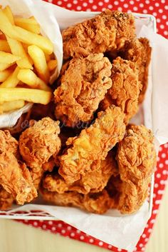 """""""Hot wings"""" – skrzydełka jak z KFC Kfc Hot Wings Recipe, Best Fried Chicken Recipe, Wing Recipes, Diy Food, My Favorite Food, Carne, Cravings, Food Porn, Good Food"""