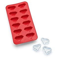 Superman Ice Cube Tray  http://rstyle.me/n/dg9aynyg6
