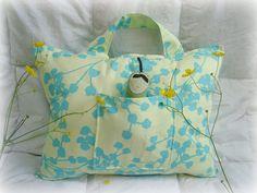 maya*made: child's travel pillow: a tutorial
