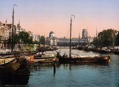 Het totaal andere Rotterdam van voor WO II | EnDanDit  Vismarkt, vanaf de Maas gezien richting Laurenskerk:
