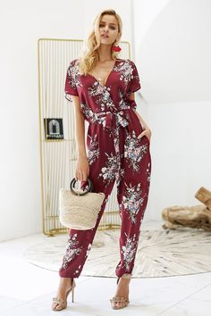 Vintage Floral Print Boho V Neck Short Sleeve Casual Loose Jumpsuit Jumpsuit Casual, Floral Jumpsuit, Printed Jumpsuit, Jumpsuit Outfit, Summer Jumpsuit, Vintage Jumpsuit, Silk Jumpsuit, Romper Suit, Black Jumpsuit