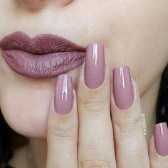 Matching nails and makeup! - Matching nails and makeup! Matching nails and makeup! Elegant Nails, Classy Nails, Stylish Nails, Trendy Nails, Cute Nails, Pink Acrylic Nails, Acrylic Nail Designs, Pink Nails, Beautiful Nail Polish