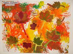 Tableau d'automne avec les feuilles ramassées en balade.