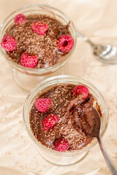 This dessert is rich and creamy, yet much healthier than your standard chocolate mousse. Avocados give a thick creamy texture, and also make this dessert dairy-free and much lower in saturated fat. It's so close to the real thing, that … Continued