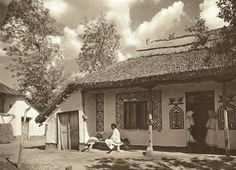 Romania - old photos - by Kurt Hielscher Romania People, Rural House, Good Old Times, Traditional House, Old Photos, Countryside, Around The Worlds, Exterior, Landscape