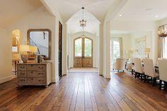 Beautiful! Vaulted ceilings, wide plank floors, dining chairs, doors