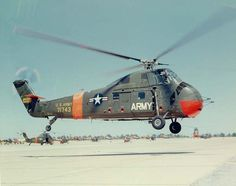 Sikorsky Choctaw – Search and Rescue Helicopter. Us Military Aircraft, Military Helicopter, Military Vehicles, Helicopter Plane, Attack Helicopter, Us Marines, Drones, Sikorsky Aircraft, Train D'atterrissage