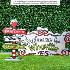 Grinch Christmas Decorations Outdoor, Christmas Float Ideas, Grinch Decorations, Grinch Christmas Party, Grinch Who Stole Christmas, Grinch Party, Christmas Yard Art, Office Christmas, Diy Christmas Gifts