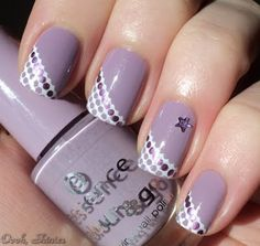 We love these lilac nails using Essence No More Drama as base and stamped with Konad White and BM plate 21...x