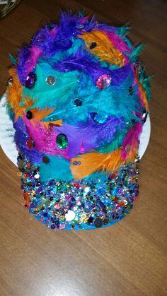 crazy hat day at school! Mad Hatter Costumes, Mad Hatter Hats, Mad Hatters, Old Lady Costume, Costume Zombie, Halloween Costumes, School Fun, School Daze, School Ideas