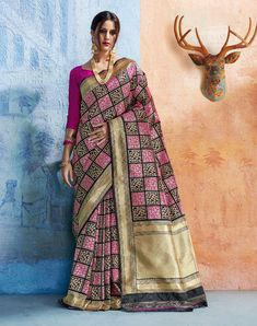 Set your off duty look abloom with this Grey Embroidered saree. Organza fabric boasts a beautifully intricate floral Embroidered work design offset. The matched unstitched blouse will go well with this Saree. Featuring a fancy branded Organza embroidered Designer Sarees Wedding, Wedding Silk Saree, Satin Saree, Black Saree, Elegant Saree, Silk Sarees Online, Banarasi Sarees, Beautiful Saree, Embroidered Silk