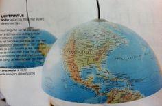 Stoer voor de jongenskamer: hanglampen gemaakt van een globe  (Uit: Wonen met kinderen, 2012)