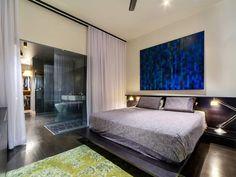 Relaxing-Bedroom-with-Simple-yet-Elegant-White-Curtain-Room-divider-of-Brisbane-House.jpg 600×450 pixels