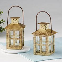 Soft light and gold accents are sure to set off your rustic decor. Kate Aspen's small Vintage Antique Gold Distressed Lantern are a nice touch for any wedding or bridal shower theme. Home Lanterns, Small Lanterns, Rustic Lanterns, Vintage Lanterns, Metal Lanterns, Lanterns Decor, Hanging Lanterns, Candle Lanterns, Decorative Lanterns