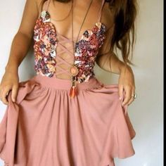 Would like to wear this everyday.