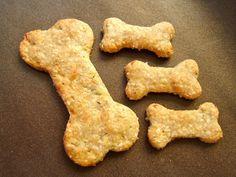 Voici une recette dont la senteur vous fera voyager le temps de la cuisson ! Il s'agit de petits biscuits à base de poulet et de courgette. Ingrédients : Poulet