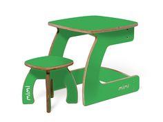 Комплект Карапуз 1-3 года Огурец поможет Вашему малышу сделать первые шаги в мир творчества! Мебель рассчитана на интенсивную эксплуатацию и отлично подойдет для детских садов, развлекательных центров и прочих детских учреждений.