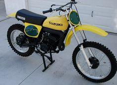 Trendy dirt bike parts vintage Ideas Suzuki Dirt Bikes, Mx Bikes, Motorcycle Dirt Bike, Motocross Bikes, Vintage Motocross, Cool Bikes, Dirt Biking, Dirt Bike Parts, Mountain Bike Helmets