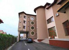 Hotel Ambiance Pitesti, hoteluri Pitesti. Romania, Multi Story Building, Mansions, House Styles, Home Decor, Decoration Home, Room Decor, Fancy Houses, Mansion