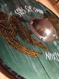 I love odin's ravens on the shield