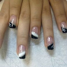 french nails step by step French Tip Nail Designs, Black Nail Designs, French Tip Nails, Acrylic Nail Designs, French Tips, Colored Nail Tips French, Fancy Nails, Trendy Nails, Nail Designs Pictures
