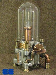 Lámpara eléctrica hechos de componentes reciclados.