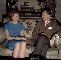 De bekendmaking van de verloving van prinses Irene en prins Carlos Hugo de Bourbon Parma