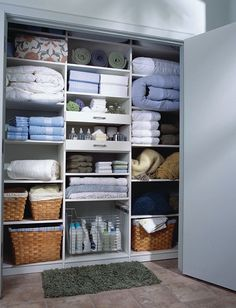 My Dream Home: Linen Closets and Laundry Room Organization from http://annezca.blogspot.com