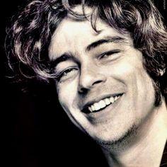 Benicio Del Toro aaawwww the smile! #movies #actors #beniciodeltoro