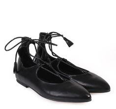SAGIAKOS Women's Black Leather Laced-Up Ballet Shoes. Γυναικείες μαύρες δερμάτινες δετές μπαλαρίνες. Oxford Shoes, Celebs, Black, Women, Fashion, Celebrities, Moda, Black People, Fashion Styles