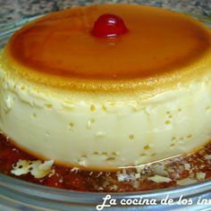Flan express in 4 minutes Mexican Food Recipes, Sweet Recipes, Cake Recipes, Dessert Recipes, Just Desserts, Delicious Desserts, Yummy Food, Dessert Micro Onde, Food Cakes