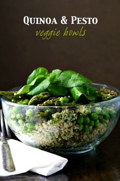 """A glass bowl is full of quinoa, peas, asparagus, and topped with spinach leaves. The text at the top reads, """"Quinoa & Pesto Veggie Bowls. Vegan Dessert Recipes, Delicious Vegan Recipes, Veggie Recipes, Vegetarian Recipes, Cooking Recipes, Healthy Recipes, Cocina Natural, Vegan Main Dishes, Side Dishes"""