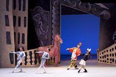 """Satie. Hoy 18 de Mayo de 1917 se estrena el ballet """"Parade"""" del compositor francés Erik Satie. El ballet """"Parade"""" con puesta en escena de Picasso. — Español"""