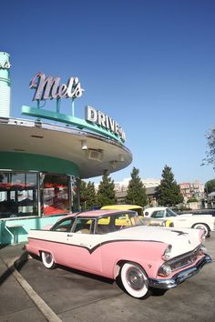 Mel's diner ... still awesome food, even if cars, and era, has changed