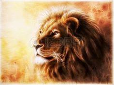 peinture animaux: Une belle peinture à l'aérographe d'une tête de lion avec une expression pacifique majestueusement Banque d