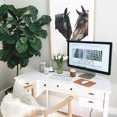 horse desk art