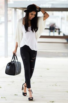 Ripped jeans (by Sissy a la  Mode) http://lookbook.nu/look/4721813-Ripped-jeans