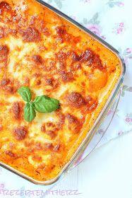Ich liebe Gnocchi, ich liebe Tomatensauce und ich liebe Käse.   Daher verstehe ich gar nicht, dass es bisher nur 1 Rezept mit Gnocchis vo...