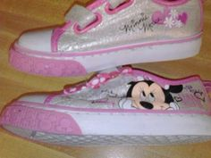 Minnie mouse toddler girls shoes size 8