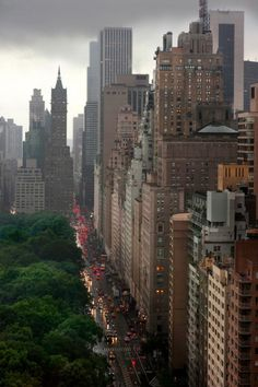 Central Park, New York City - one of 5 photos for Travel Pinspiration: http://www.ytravelblog.com/travel-pinspiration-favourite-cities/