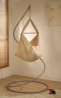 Just like the lost boys in Neverland, baby sleeps in a hammock. if i ever had another baby. Baby Hammock, Baby Swings, Baby Tech, Baby Gadgets, Dream Baby, Baby Cribs, Kids Furniture, Baby Sleep, Baby Fever