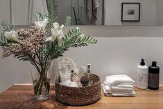5 missar som sänker intrycket i badrummet – så undviker du dem Decor, Inspiration, Interior, Bedroom, Home Decor, Vase, Bathroom