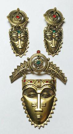 Vtg Avon Mayan Aztec Tribal Figural Warrior Mask Brooch Clip On Earring Set Aztec Jewelry, Aztec Earrings, Clip On Earrings, Mayan Mask, Face Jewellery, Vintage Avon, Lariat Necklace, Vintage Signs, Earring Set
