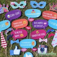 Kit para Photobooth de colores con emoticones - 25 Accesorios para el rincón de fotos Photo Both Props, Photobooth Props Printable, Mexican Party, Ideas Para Fiestas, Fiesta Party, Party Props, Bridal Shower Decorations, Unicorn Party, 40th Birthday