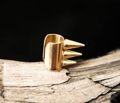 {Spiked Ear Cuff} Bisjoux - get a little spiky with this cuff! :)
